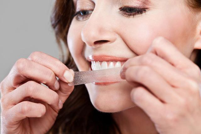 Strisce per lo sbiancamento dei denti